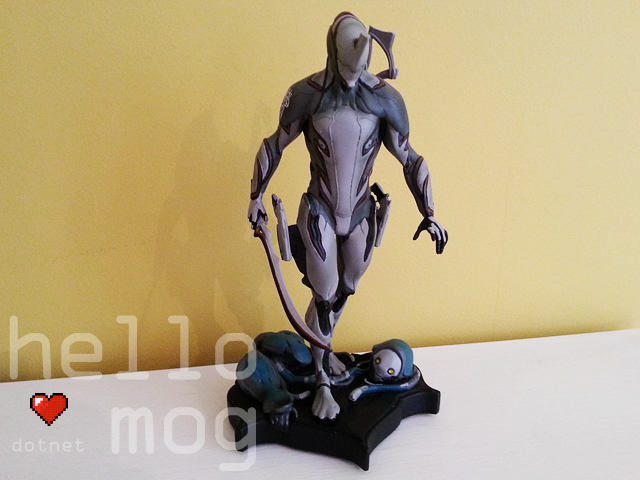 Warframe Excalibur Collector's Statue
