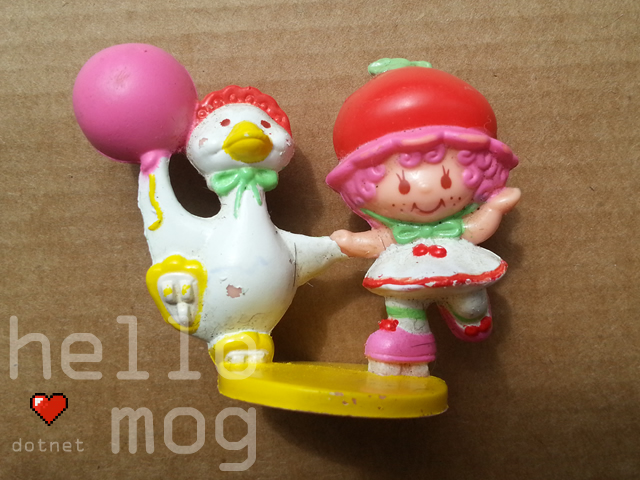 Strawberry Shortcake Strawberryland Miniatures Cherry Cuddler with Gooseberry on Skates